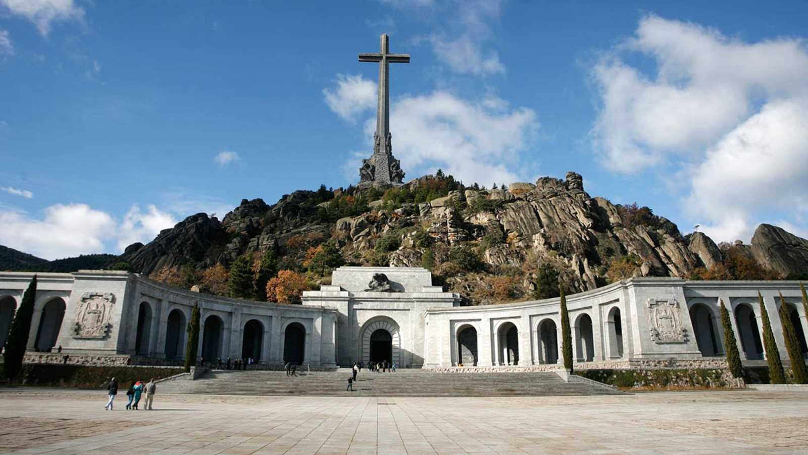El Congreso aprueba el decreto para que los restos de Franco dejen de estar en el Valle de los Caídos