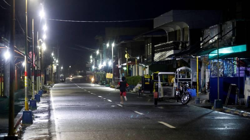 El tifón Mangkhut llega a Filipinas con ráfagas de viento de hasta 285 kilómetros por hora