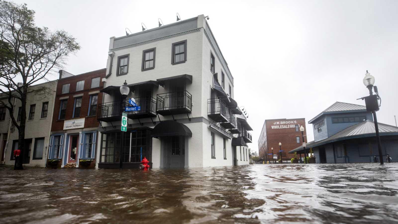 El Huracán Florence deja catastróficas inundaciones en localidades costeras de Carolina del Norte