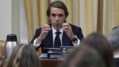 Aznar niega la 'caja B' del PP en una tensa comparecencia en el Congreso