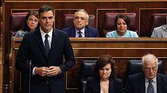 """Sánchez defiende su atajo legal para asegurar la aprobación de los Presupuestos y Casado le acusa de """"fraude"""""""