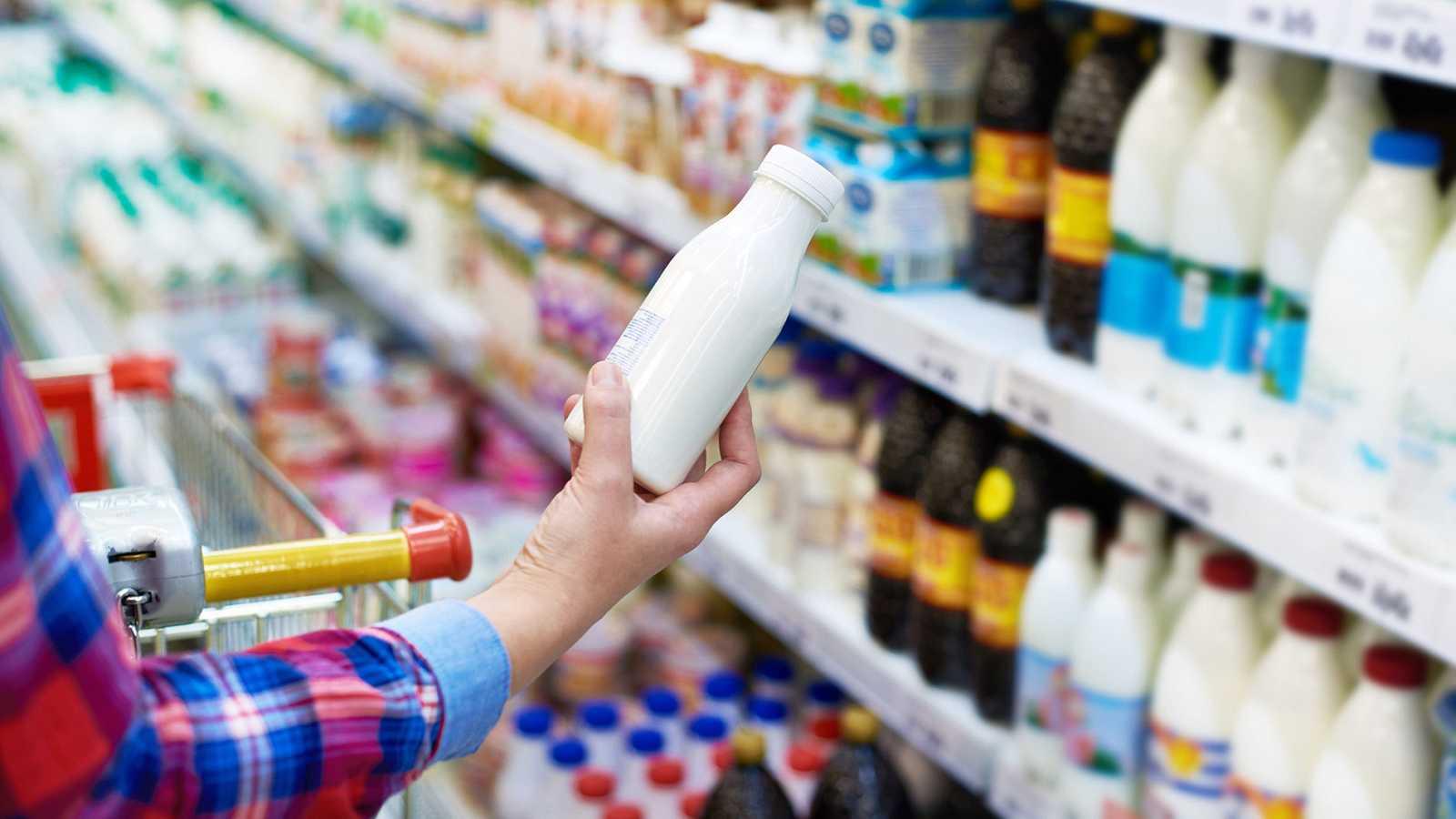 """Los yogures pueden ser una fuente """"elevada"""" y """"no reconocida"""" de azúcar, según ha revelado un estudio publicado en la revista científica británica BMJ. La investigación, conducida por expertos de las universidades de Leeds y Surrey, alerta de los ele"""