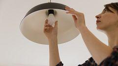 El Gobierno suprime un impuesto eléctrico para reducir el recibo de la luz