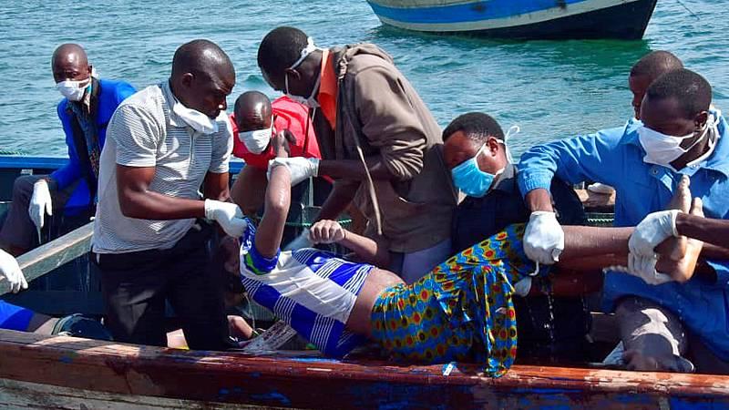 Mueren más de un centenar de personas en el naufragio de un barco en Tanzania