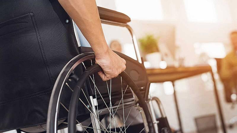 Un parapléjico consigue volver a caminar gracias  a estimulación eléctrica en su m