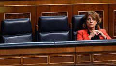 Delgado descarta dimitir respaldada por el Gobierno y el PSOE mientras la oposición redobla la presión
