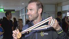 Alejandro Valverde ya luce su oro mundialista en España