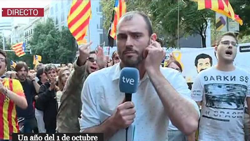 """Comienza la manifestación principal del 1-O, con gritos de """"1 de octubre, ni olvido ni perdón"""""""