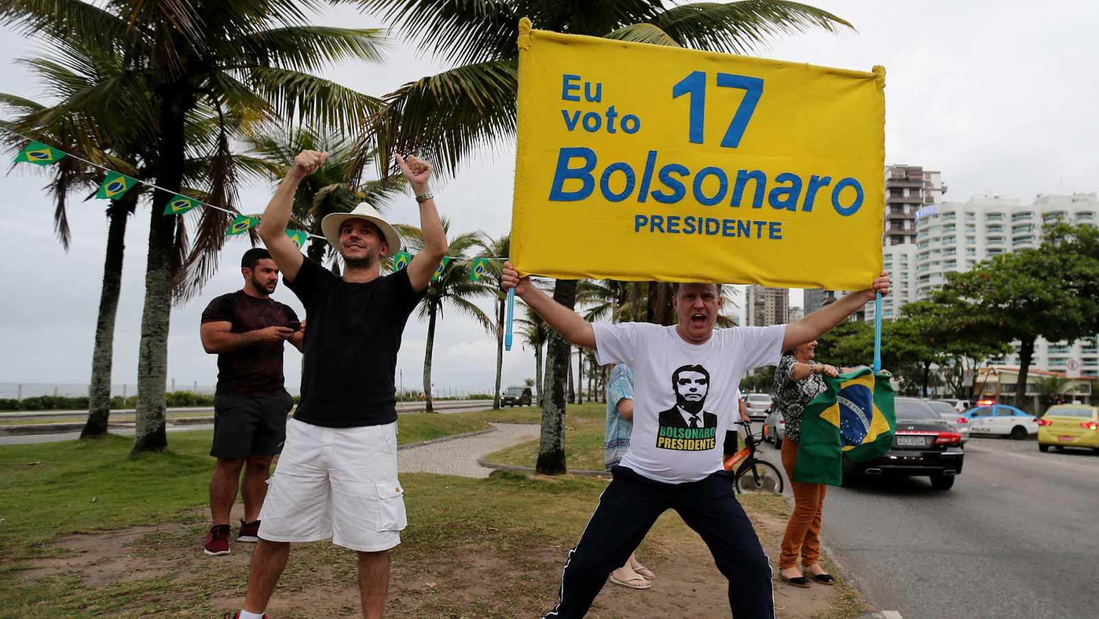 Bolsonaro lidera las encuestas en Brasil