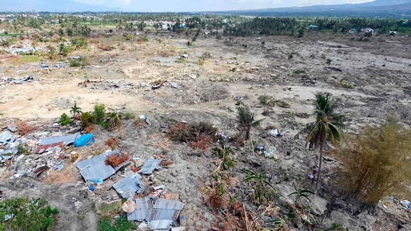 Al menos 1.763 muertos y 5.000 desaparecidos tras el terremoto y tsunami en Indonesia
