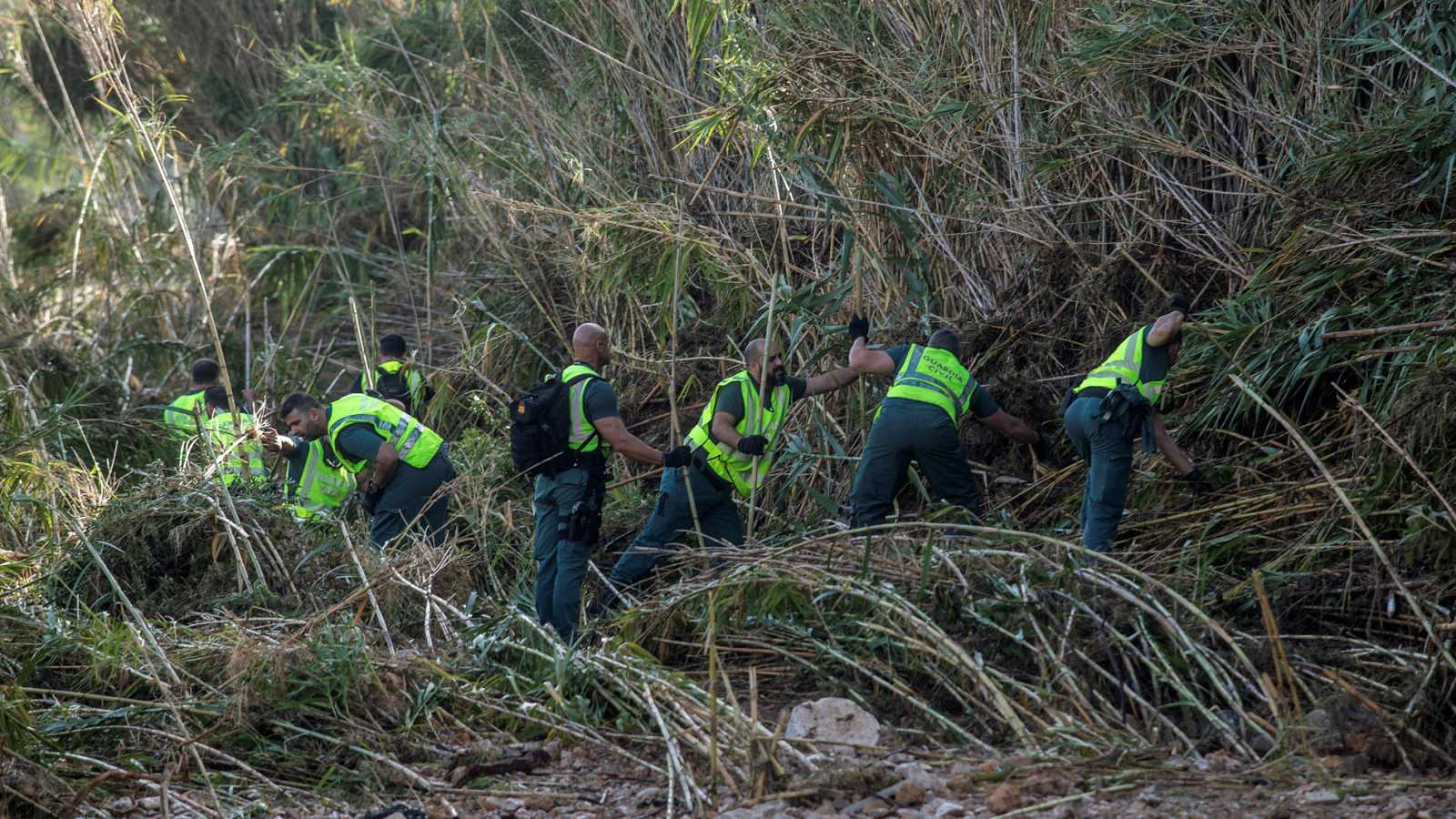 Los equipos de rescate y decenas de voluntarios intensifican la búsqueda del niño desaparecido por la riada en Mallorca