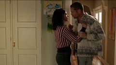 Cuéntame cómo pasó - Mike intenta seducir a Inés