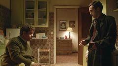 Cuéntame cómo pasó - Carlos, muy alterado con el trabajo y con su suegro en casa
