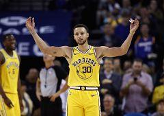 Curry logra 51 puntos en triunfo de los Warriors