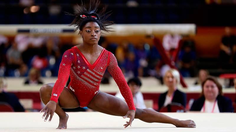 La estadounidense Simone Biles consiguió una nota de 14.786 en la prueba de suelo dentro del concurso por equipos femenino del Mundial de Doha 2018.