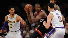 Ibaka se sale ante los Lakers, que acaban abucheados