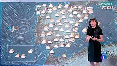 Cielo cubierto y lluvias en casi toda la península