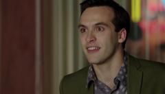 Cuéntame cómo pasó - Carlos propone a su hermano para la campaña de Banesto