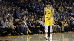 Curry se lesiona y los Warriors caen ante los Bucks