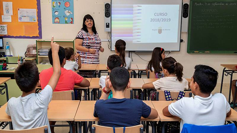 La reforma educativa que prepara el Gobierno prevé eliminar la regulación estatal del uso de la lengua cooficial