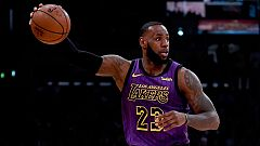 LeBron James supera a Chamberlain como quinto anotador de la historia