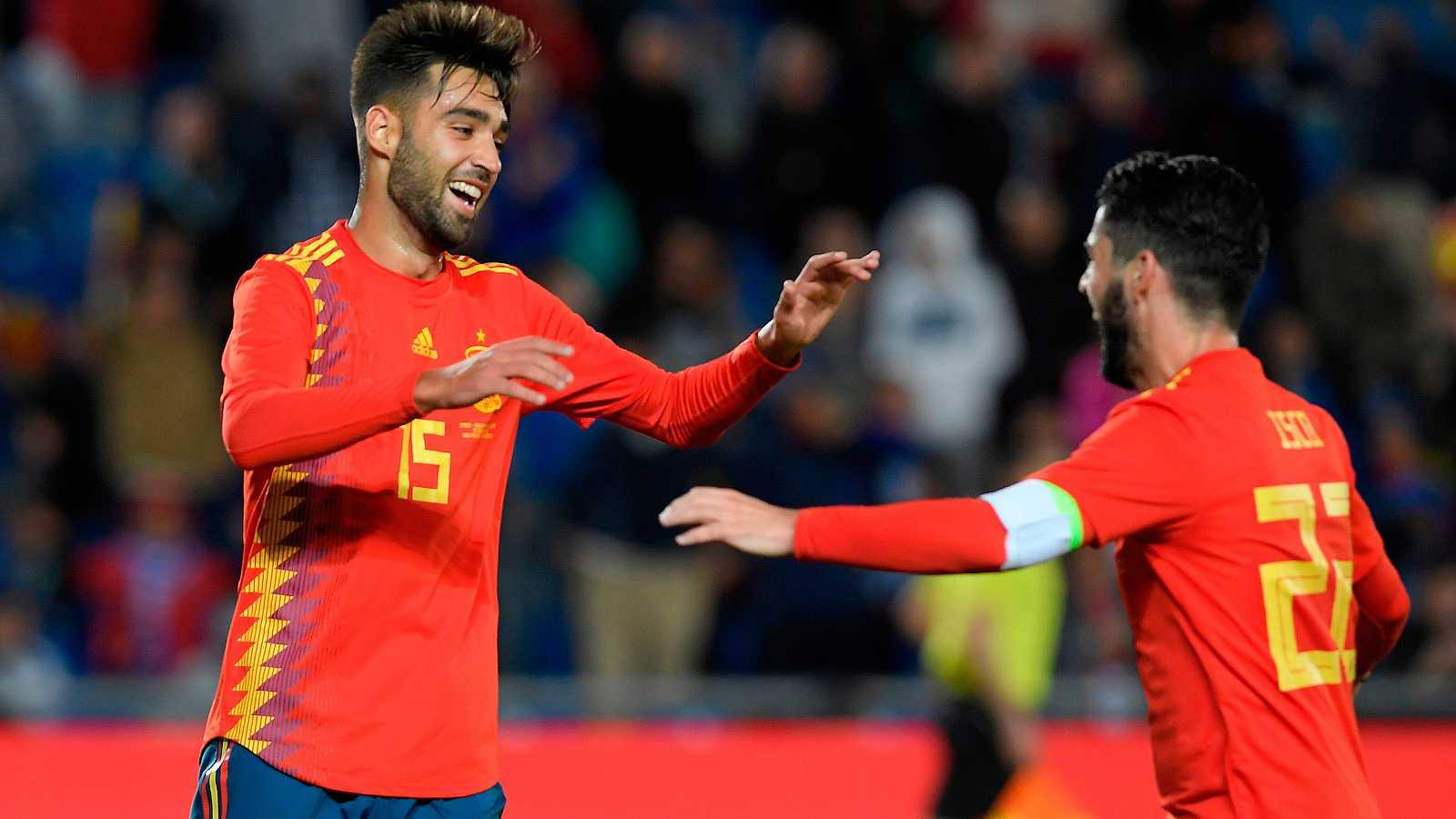 El jugador del Celta de Vigo Brais Méndez ha marcado en su primer partido con la selección española, al rematar a la red el rechace de un disparo de Isco.