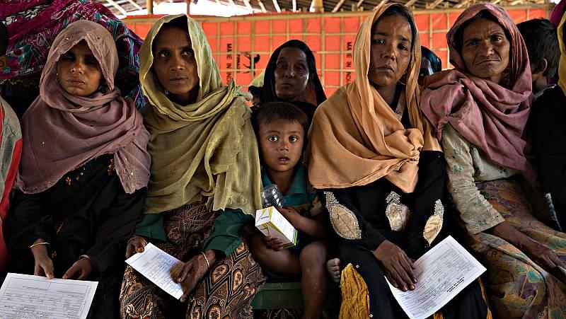 Los refugiados rohinyás sobreviven pese a la desesperanza en Bangladesh