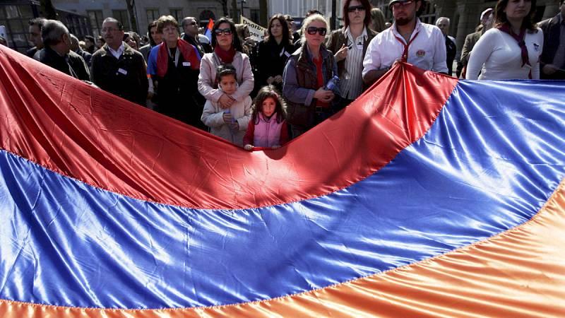 Culto ininterrumpido para evitar la deportación de una familia armenia