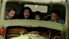 Cuéntame cómo pasó - Carlos, Josete y Luis en el camión abandonado