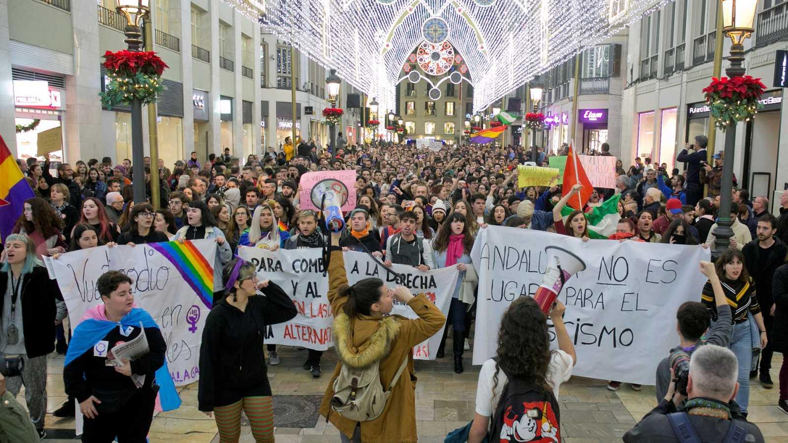 Miles de personas se manifiestan en varias ciudades andaluzas contra Vox