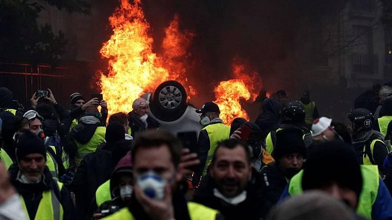 Los 'chalecos amarillos' rechazan la oferta de diálogo del Gobierno francés