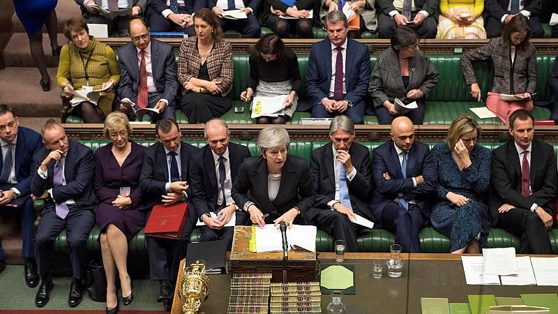 El Parlamento reprocha a May la solución para evitar una frontera en Irlanda tras el 'Brexit'