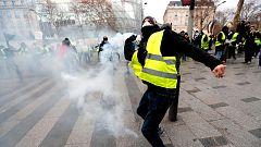 Más de 400 detenidos en la protesta de los chalecos amarillos en París