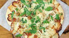 Torres en la cocina - Pizza de quesos, pera y nueces