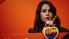 """Arrimadas: """"El señor Torra está apelando a un conflicto civil que causó decenas de muertos y el señor Sánchez sigue mirando para otro lado"""""""