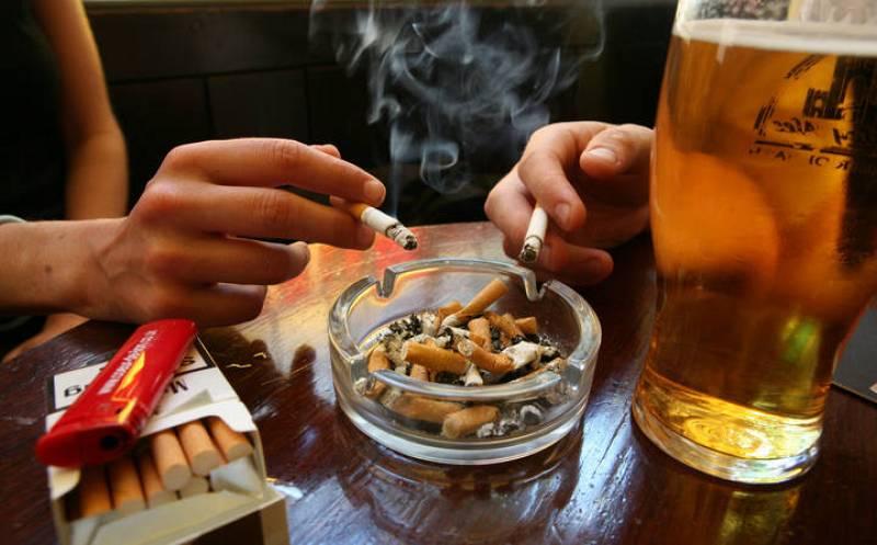 Vuelve a haber tantos fumadores en España como antes de la ley antitabaco
