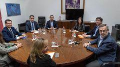 """PP y Cs constatan la """"clara voluntad de acuerdo"""" y excluyen a Vox para formar gobierno"""