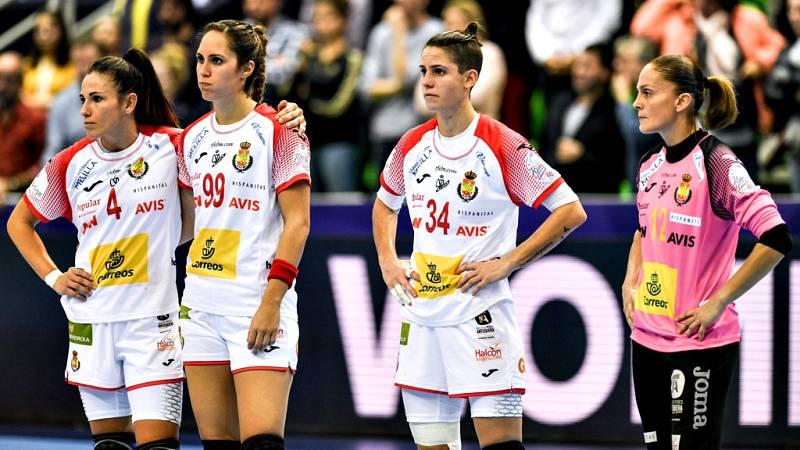 La selección española femenina de balonmano continuó en su mala  dinámica en el Campeonato de Europa que se está disputando en Francia  y encajó este martes una nueva derrota al perder por 25-27 ante  Rumanía, en un partido donde no pudo sacar partid