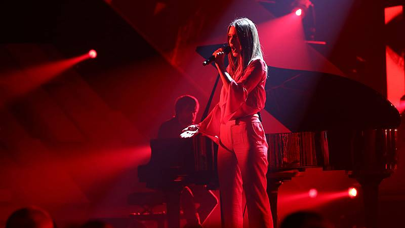 """OT 2018 - Sabela canta """"Negro caravel"""" en la gala 12"""