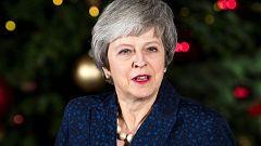 Theresa May supera con holgura la cuestión de confianza de su partido tras renunciar a la reelección