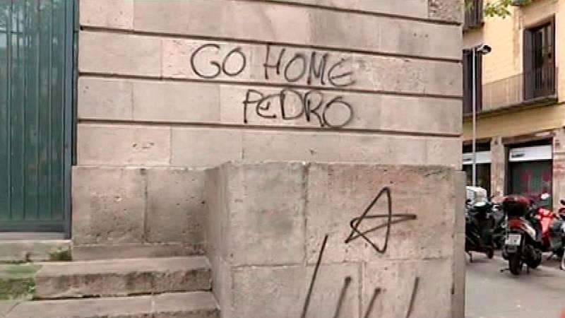 Pintadas contra Sánchez en el lugar elegido para celebrar el Consejo de Ministros en Barcelona