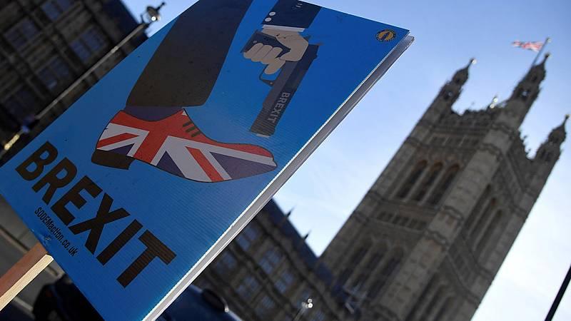 El Gobierno británico da prioridad a los preparativos para un 'Brexit' duro
