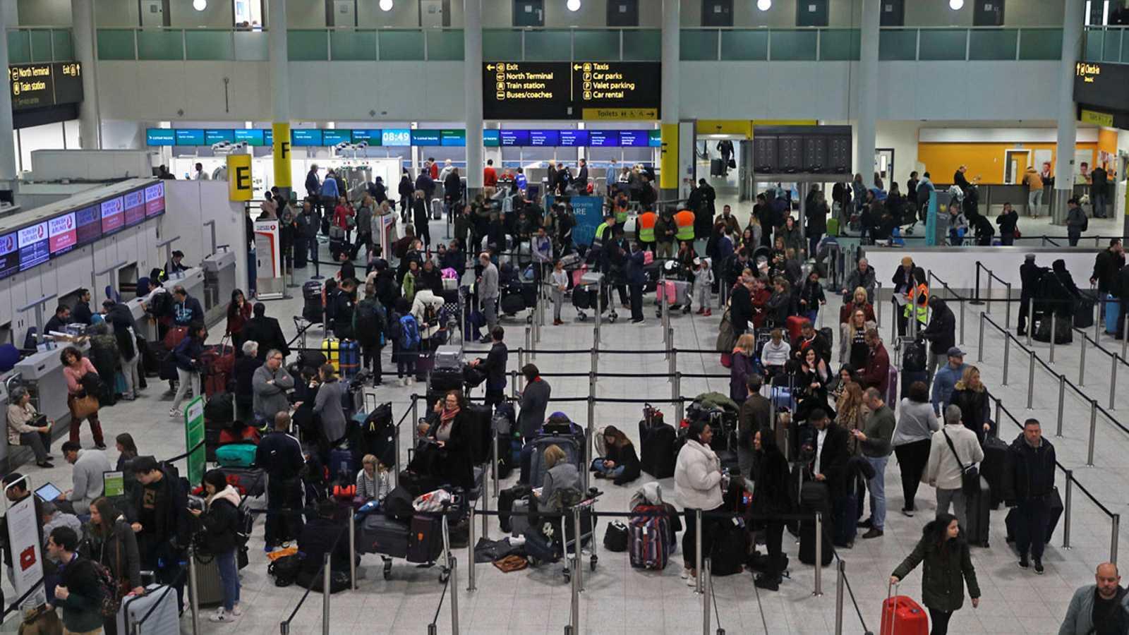 El aeropuerto londinense de Gatwick, cerrado por dos drones