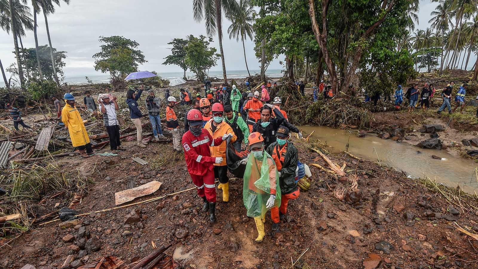 Indonesia busca a los desaparecidos del tsnuami con el miedo a una nueva tragedia