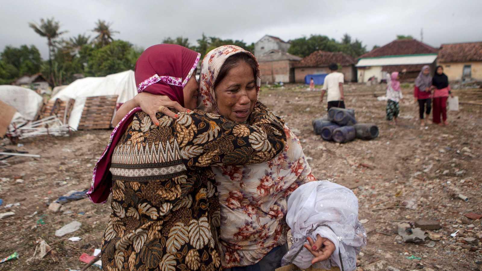 La búsqueda de supervivientes en Indonesia, a vista de dron