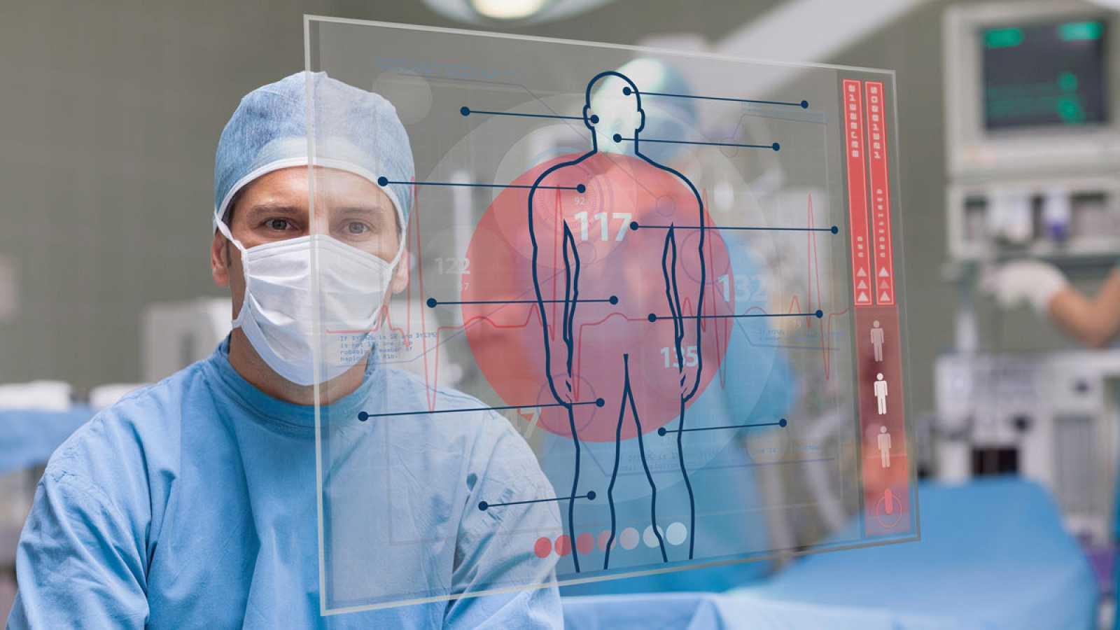Con unas gafas de realidad aumentada y la impresión en 3D, los cirujanos del Hospital Gregorio Marañon de Madrid consiguen aumentar la precisión en las intervenciones. Es una técnica pionera que permite al médico ver hologramas con recreaciones y rad