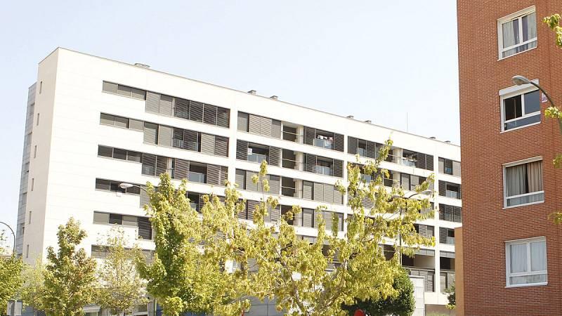 El Tribunal de Cuentas condena a la exalcaldesa de Madrid, Ana Botella, a seis de sus concejales y al exresponsable de la Empresa Municipal de la Vivienda a abonar casi 26 millones de euros por la venta de pisos protegidos a fondos buitre. El fallo,