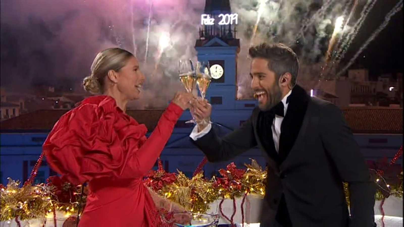 ¡Feliz 2019 con Anne Igartiburu y Roberto Leal!