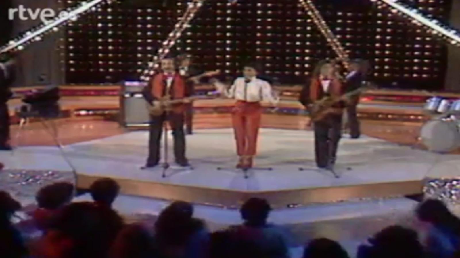Aplauso - Ricci & Poveri canta 'Será porque te amo' (1981)