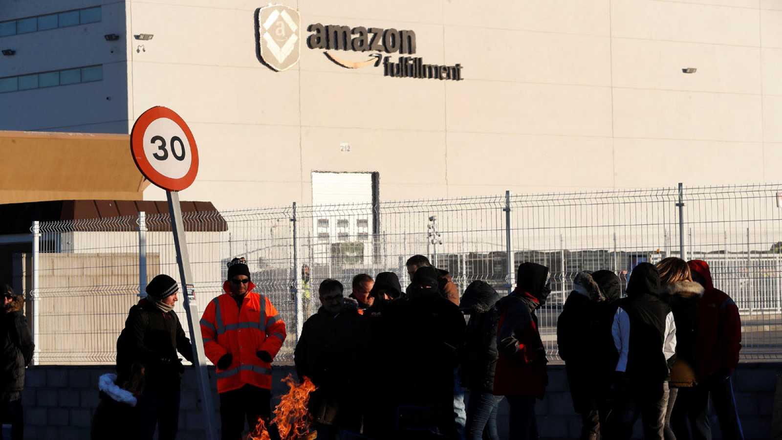 Los trabajadores de Amazon retoman la huelga en plena campaña de Reyes